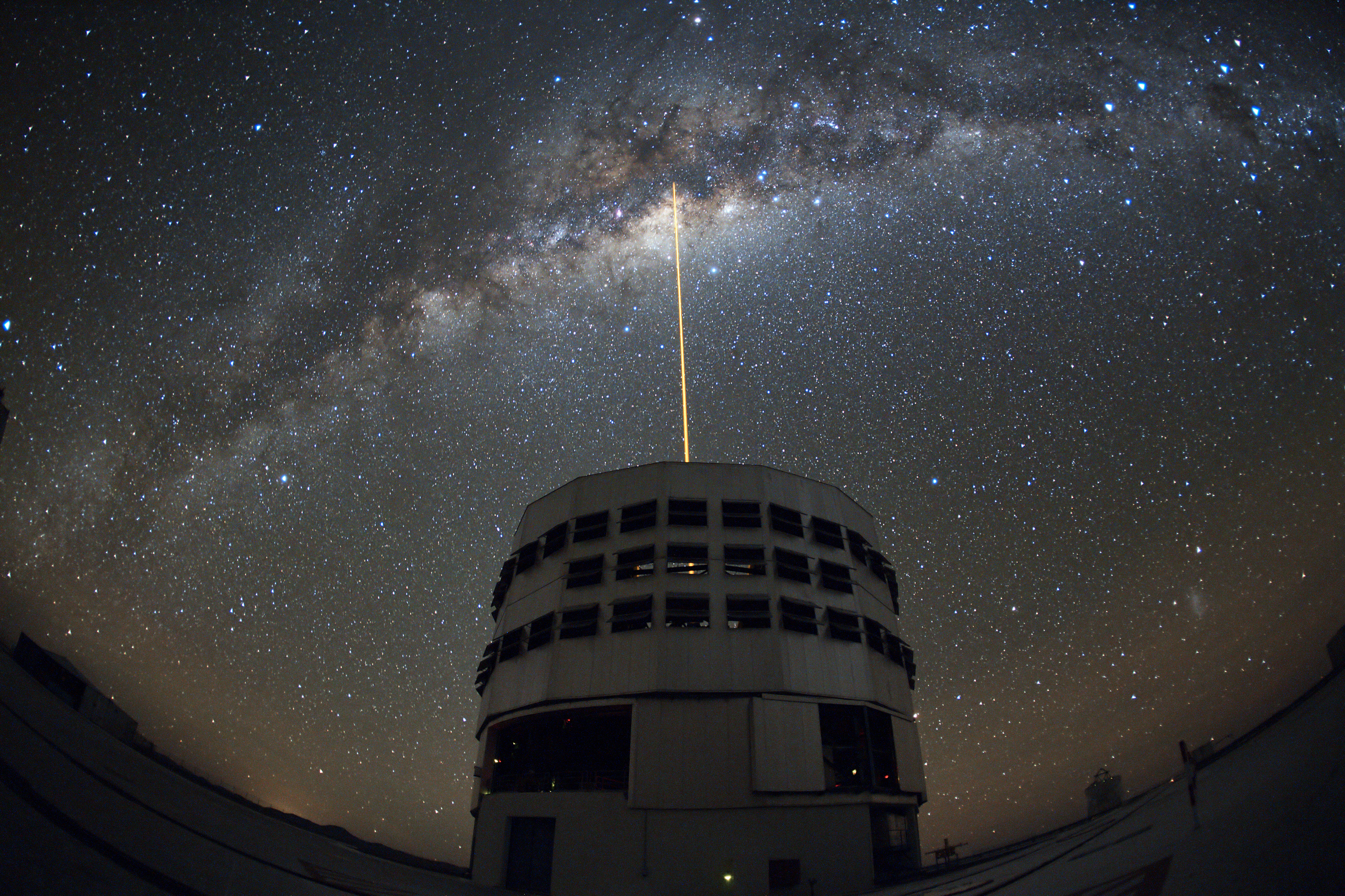 ESO: Stargazing the Majestic Milky Way (35 Pics)