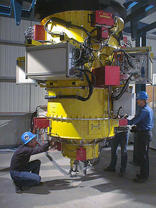 FORS1 at Paranal at the end of the integration phase