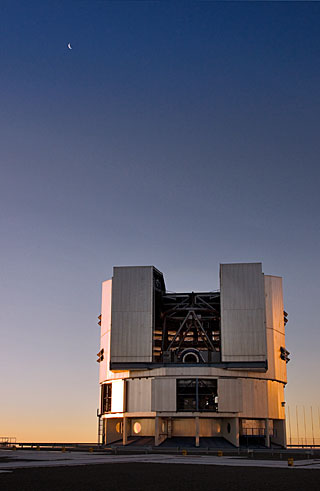 VLT Unit Telescope at Paranal