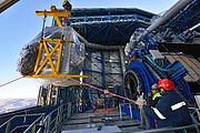 Lo strumento MUSE durante l'installazione all'Osservatorio del Paranal dell'ESO
