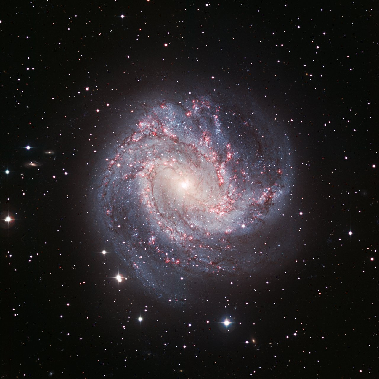 Nearby Spiral Galaxy Seen in the Infrared by Spitzer Space ...