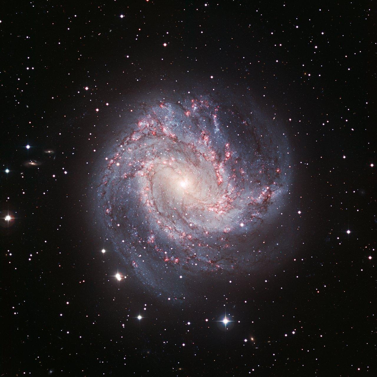 Superbe image détaillée de la galaxie M83
