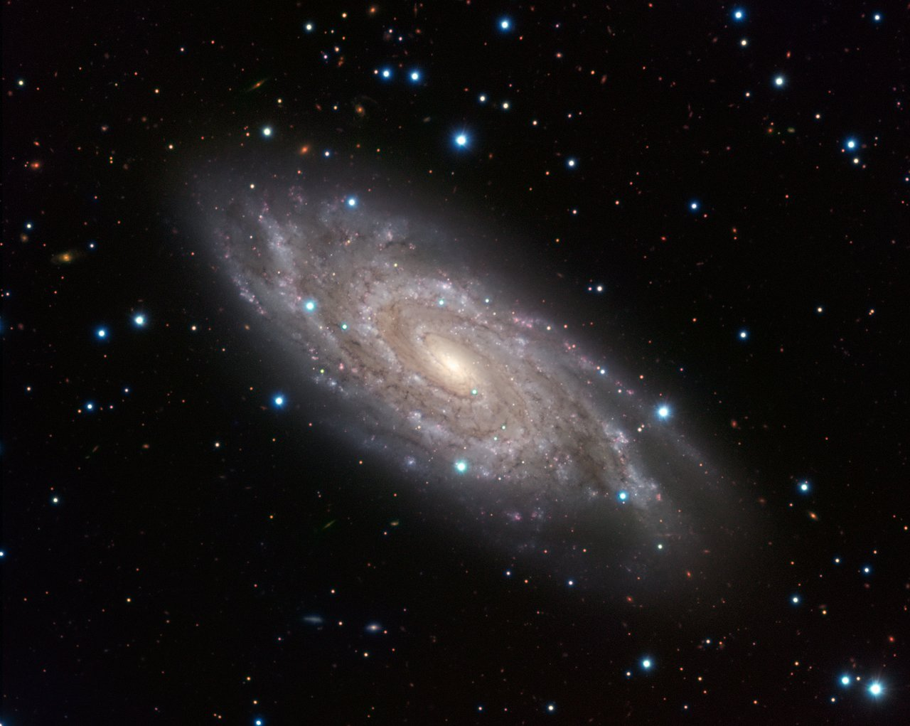 Astronomy Picture of the Day | The Blinking Galaxy ...