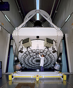 The New Technology Telescope (NTT) pioneered the Active Optics.