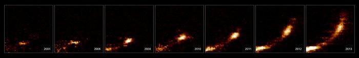 Snímky oblaku plynu roztrhaného černou dírou uprostřed Galaxie