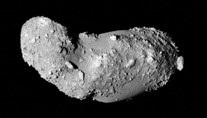 Asteroide (25143) Itokawa på nært hold