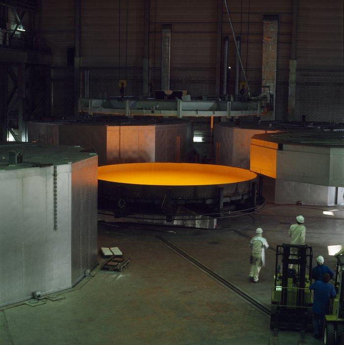 VLT M1 Production at Schott