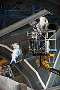 CO2 cleaning of mirrors at the VLT